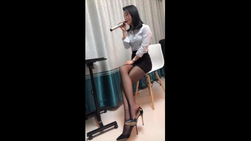 絲襪「美腿」小少婦「黑絲」緊身小短裙「成熟溫柔」女人味十足
