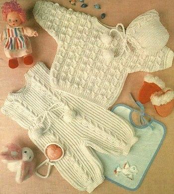 Детский комплект: комбинезон, пуловер и шапочка… (2 фото) - картинка