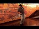 Ван Дамм в Таиланде. Танцует как кикбоксер. Отель Anantara Siam Bangkok Hotel
