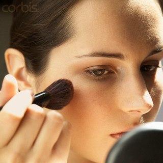 Брови и макияж для сердцевидной формы