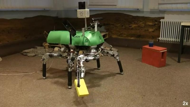 LAURON шестиногий робот манипулятор