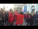 Уличный музыкант в Питере исполнил марокканский гимн для болельщиков (13.06.2018)