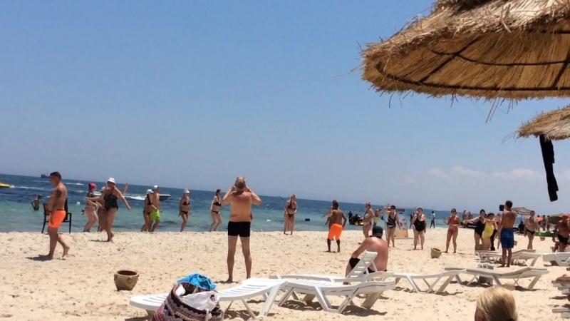 Тунис пляж развлечения у отдыхающих