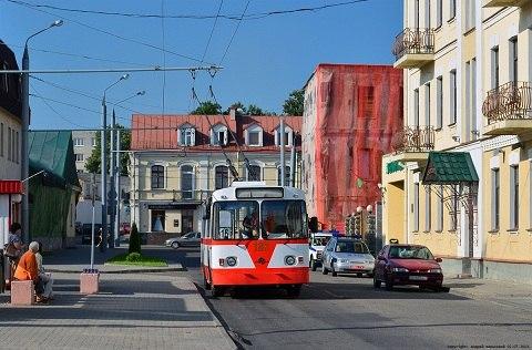 Ретро-троллейбус.