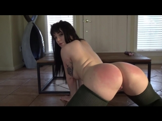 Emilly lynne spanks and squirt - big ass butts booty tits boobs bbw pawg curvy mature milf stockings