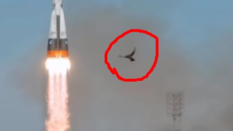 МКС сломался а При аварии Союза МС 10 в кадр попало нечто
