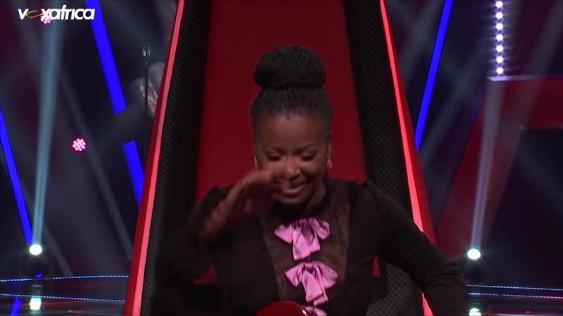 P. James chante Roxanne aux auditions à laveugle - The Voice Afrique francophone 2016