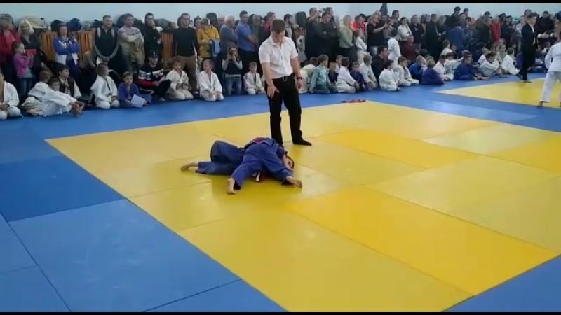 Павлов Е. против мальчика из Мичуринска (полуфинал)