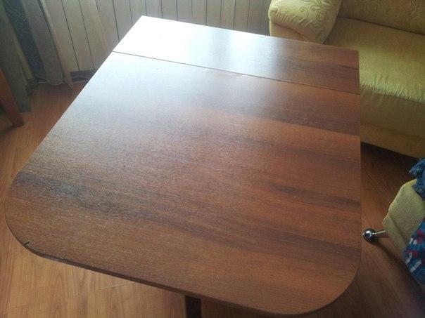 Продам стол кухонный складной, цена 3000 руб, тел