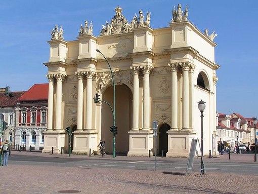 2) Петровские ворота в Санкт-