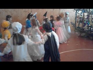 Новорічний танець 2017,в школі,учнів першого класу,Вербівської ЗОШ 1-2ст.