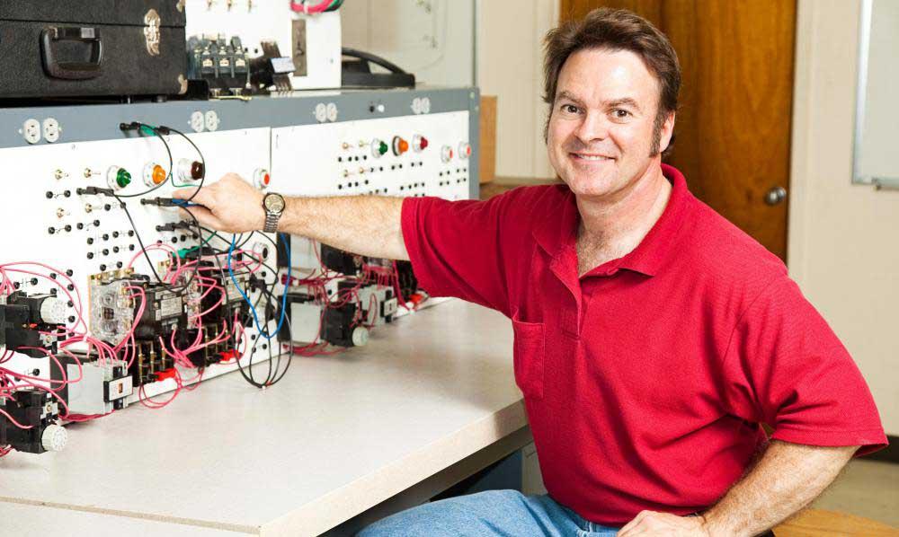 Многие дипломы инженеров сетевых систем требуют практического опыта в классе или во время стажировки