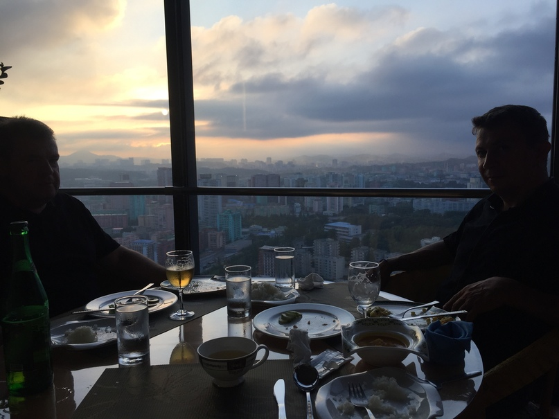 Отчет о путешествии в Северную Корею Revolving Restaurant