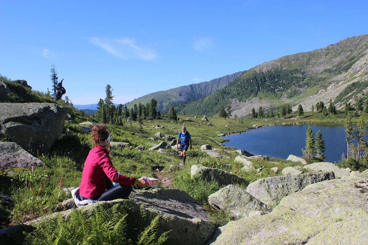 Паша на Мраморном озере и девушка с финиками