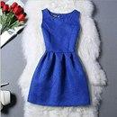 Платье синего цвета отлично подойдёт девушкам…