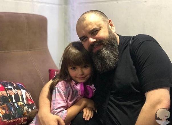 Максим Фадеев с мамой красивой девочкой Анастасией Князевой