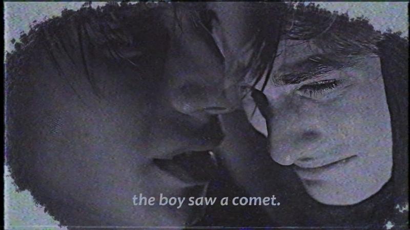 The boy saw a comet.[rus.sub]
