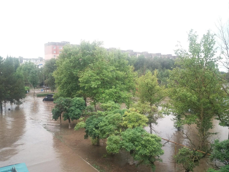 Армянск утонул в воде (фото)