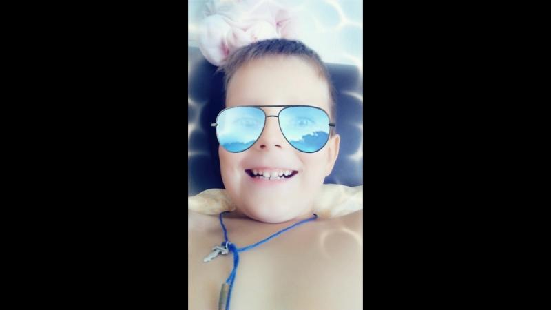 Snapchat-1999937400.mp4