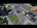 В Уфе женщина выбежала из маршрутки и попала под легковой автомобиль