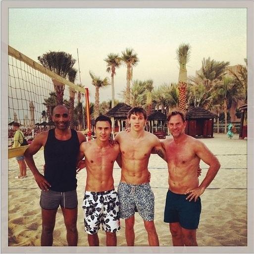 футболисты на курортах фото