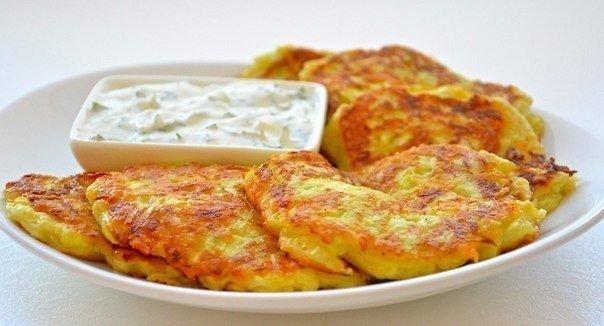 Оладьи из кабачков с сыром и чесноком Ингредиенты: -