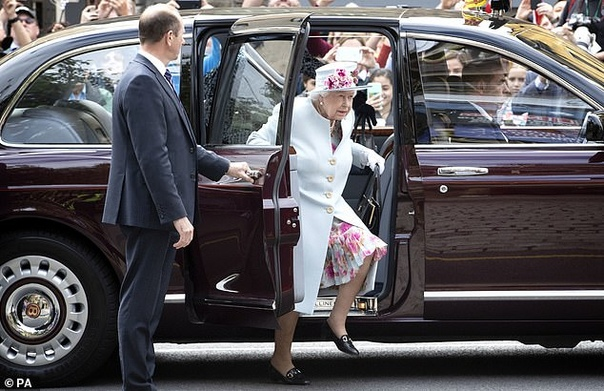 Княгиня Монако Шарлин Королева ВеликобританииПринц Чарльз