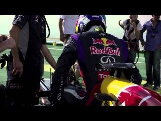Infiniti Red Bull Racing Celebrates on Burj Al Arab Helipad