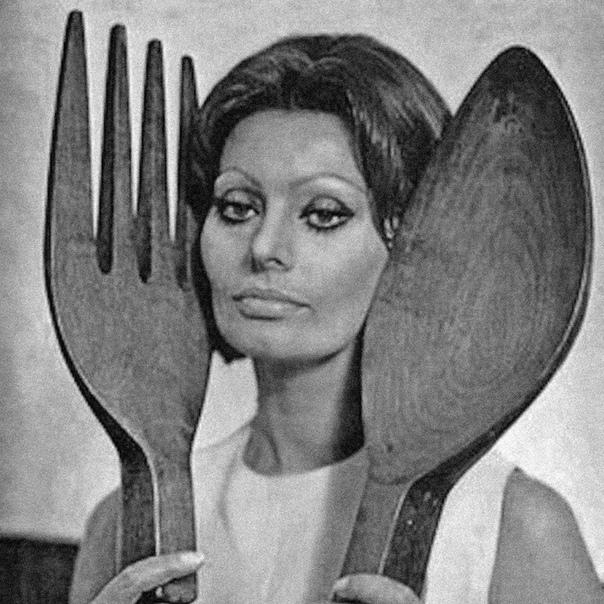 Фотопортрет Софи Лорен. «Всем, чем я являюсь, я обязана спагетти!»1960-е годы