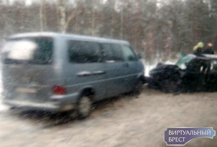 Лобовые столкновения происходят на трассах под Брестом