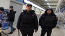 Ждун в полицейской форме наступил на ногу Подлая ментовская месть и дубинка готовая бить граждан