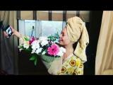 Когда он слишком редко дарит цветы, а ты слишком много думаешь....