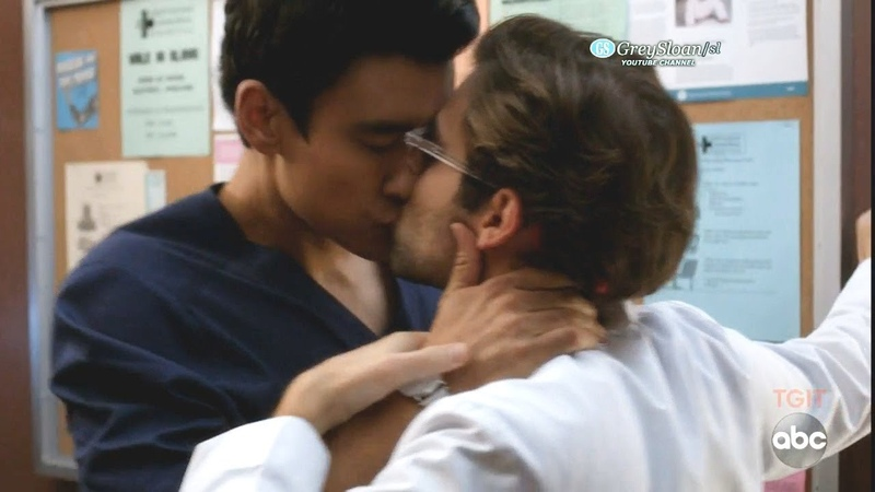 Grey's Anatomy 15x06 Intern Schmitt and Dr Nico Kiss - I Thought This Is a Teaching Hospital
