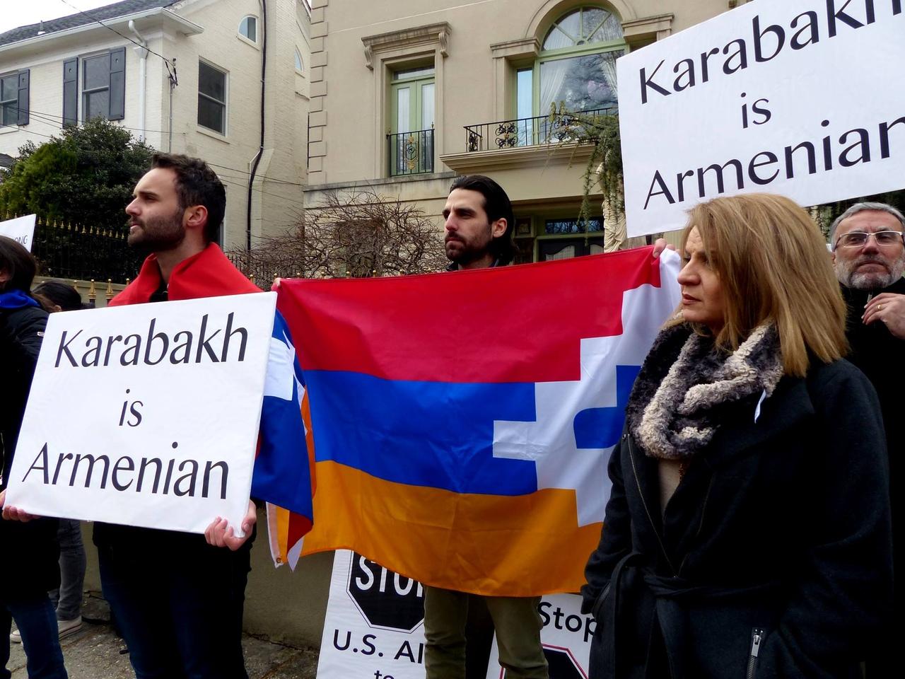 Армяне США провели акцию