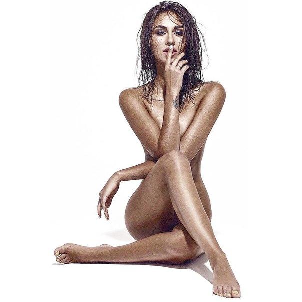 голая женщина это пошлость а обнажённая это-яж1