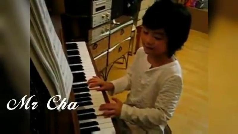 Moonbin and piano