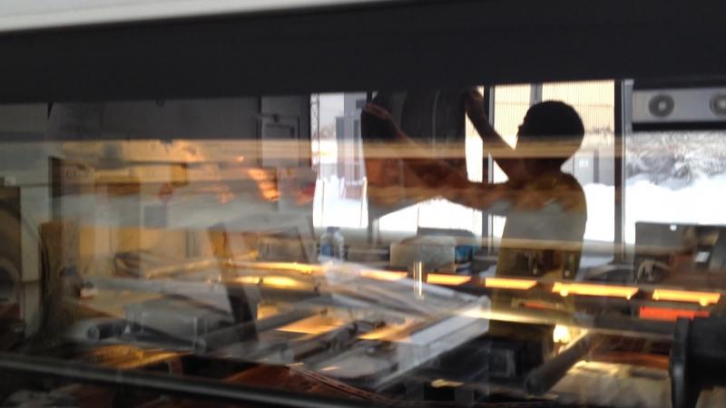 Фрагмент работы сушильной секции печатной машины Heidelberg Speedmaster SM 74-5-L.