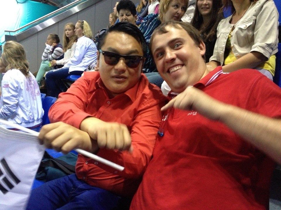 Vilat со знаменитым певцом Psy.