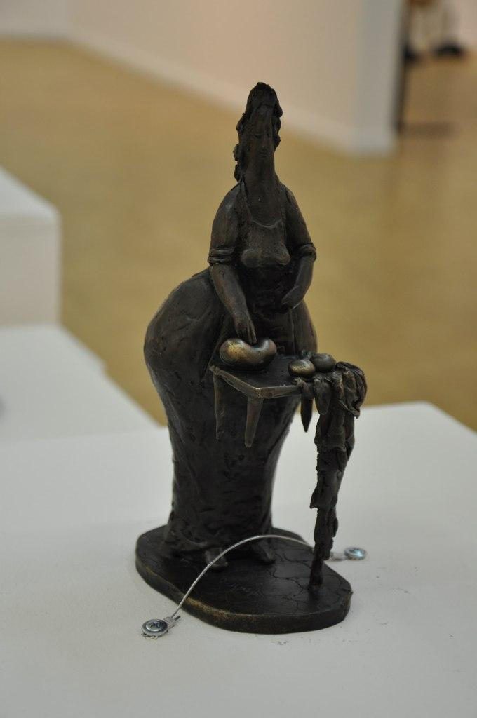 Союз художников Армении  Арпине Кетцян (р. 1978)  Пекарь. 2008  Бронза