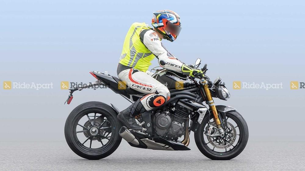 Шпионские фото Triumph Speed Triple 1160