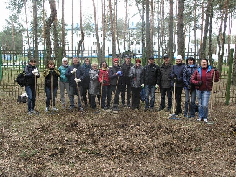 Брестчане вышли на экологическую акцию по очистке территорий города