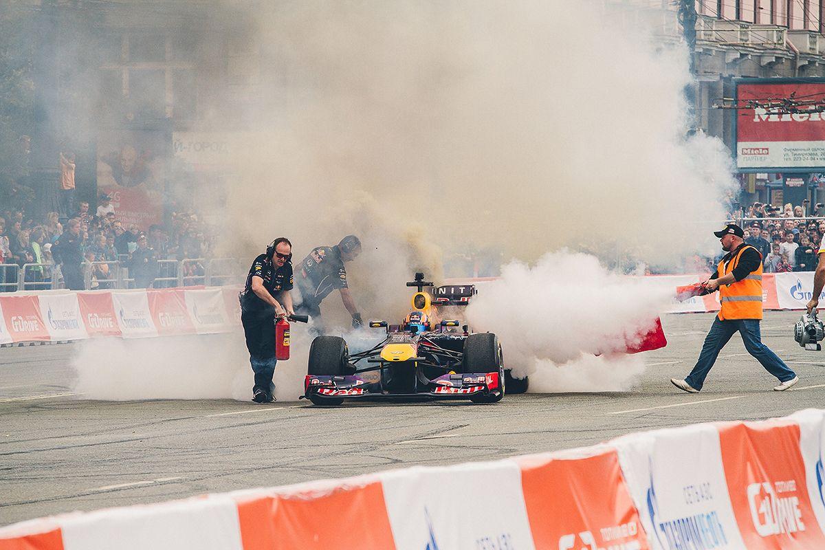 Тушение болида Red Bull  (13.08.2014)
