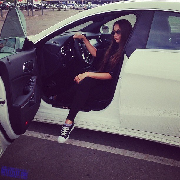фото за рулем красивых девушек