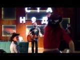 Нарезка песен с концерта в баре