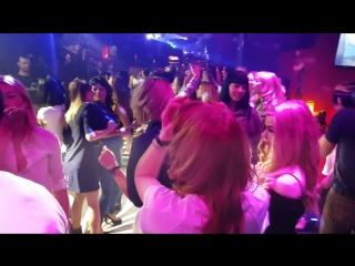 Спасибо Марине!!!! Отличная ночь! Отличные песни!! Отличное настроение!!! 💥🍭💣 #Night_Club_Zebra