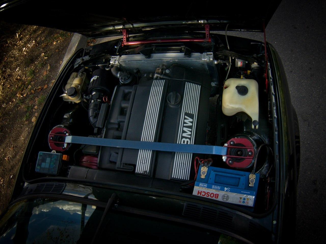 BMW E30 установка 3-х литрового M54b30