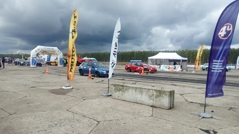 Dodge Neon SRT4 2 4 T FWD vs Citroen Saxo VTS 1 6Т FWD
