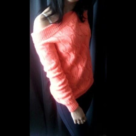 Виктория Баронова г Донецк on Instagram Вот и готов небольшой видео обзор свитерочка Правда пришлось его снимать в домашних условиях т к на у