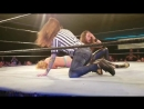 [WWE QTV]☆[Lita Pops Into Indie Wrestling Show To Get In On The Action]