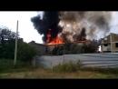 На пожаре в крымском отеле женщина с семилетней дочерью получили ожоги и травмы от падения с третьего этажа